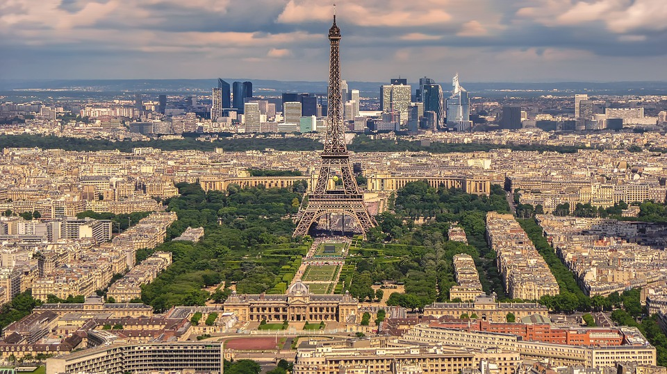Enjoy lunch in the famous Eiffel Tower