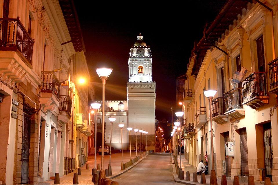 "Quito City Explorer ""Quito by Night & Gastronomic"""